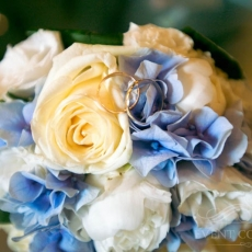 blue-white-cream-roses-hydrangea-eustoma-wedding-bouquet