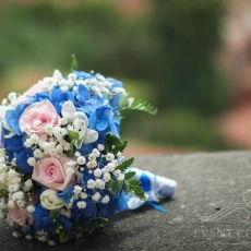 blue-white-pink-mixed-flowers-wedding-bouquet