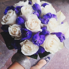 cream-purple-blue-wedding-bouquet-prague