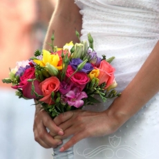 multicolor-mixed-flowers-wedding-bouquet