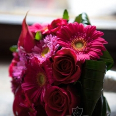 pink-red-mix-flowers-wedding-bouquet
