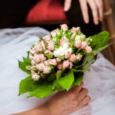 pink-small-size-roses-wedding-bouquet