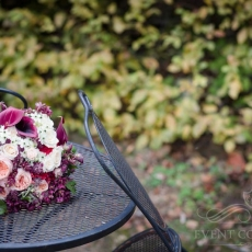 red-dark-pink-white-mixed-flowers-wedding-bouquet