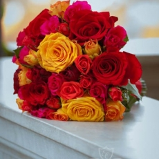 red-orange-pink-mixed-roses-wedding-bouquet