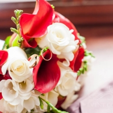 red-white-mixed-flowers-bouquet