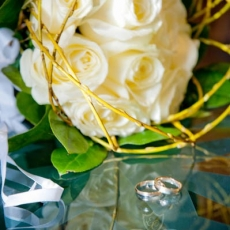 white-roses-bars-wedding-bouquet