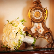 white-wedding-bouquet-roses-freesias