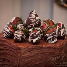 chocolate-strawberries-wedding-cake