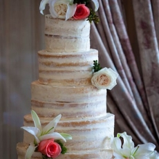 white-cream-wedding-cake