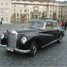 Wedding-car-in-Prague-Mercedes-Benz-300Adenauer-1952_Oldtimer