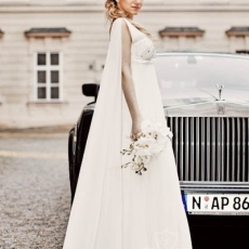 Wedding-car-in-Prague-Rolls-Royce-Phantom_to-rent