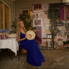 Provence-wedding-decor-photo-station-prague
