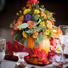 autumn-wedding-reception-table-decor-in-prague