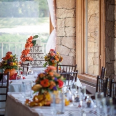 autumn-wedding-reception-tables-decor-in-prague