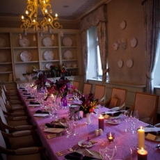 purple-color-fancy-wedding-reception-table-decoration-chateau-mcely-prague