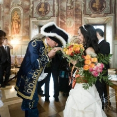 symbolic-wedding-ceremony-prague
