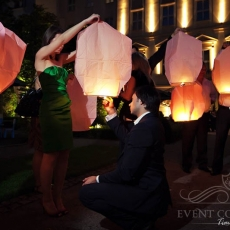 wedding-sky-lanterns-prague