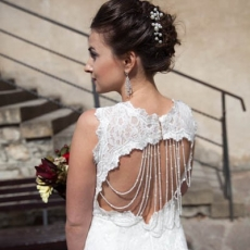 luxury-wedding-hairstyle-in-prague