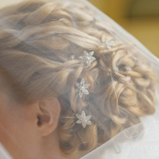 wedding-hairstyle-decorative-hairpins