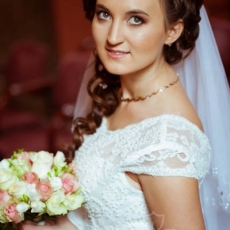 brown-smokey-eyes-bridal-make-up-prague