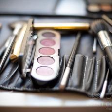 make-up-profesional-cosmetics