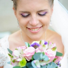 wedding-make-up-in-prague-mua-purple-pink