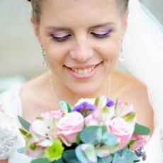 wedding-make-up-in-prague-mua-purple-pink