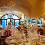 Aquarius-Alchymist-Grand-Hotel-and-Spa-table-wedding-arrangement