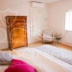 Deluxe-room-Golden-Key-Hotel