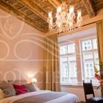 Golden-Key-Hotel-deluxe-room