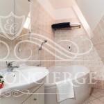 Happy-Prague-Apartments-bathroom-with-bathtube