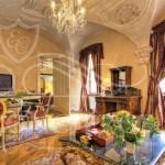 alchymist-suite-living-room